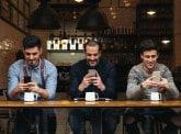 Emojis, smileys, hashtags : la langue d'un monde qui change ?